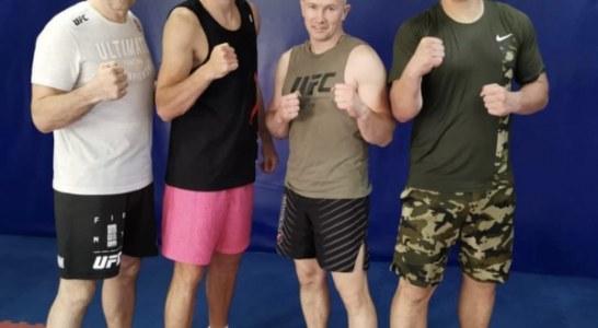 Артем Дзюба провел тренировку по боксу и ММА