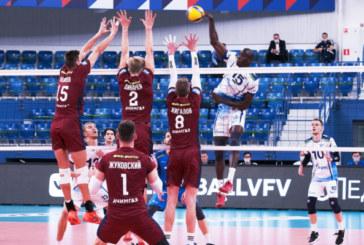Волейбольный «Зенит» уступил «Факелу» в первом официальном матче сезона