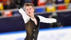 Петербургский фигурист Евгений Семененко победил на чемпионате России среди юниоров